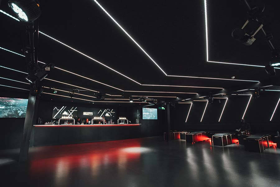 embed signage - digital signage software - Boxpark customer story - Wembley Beatbox