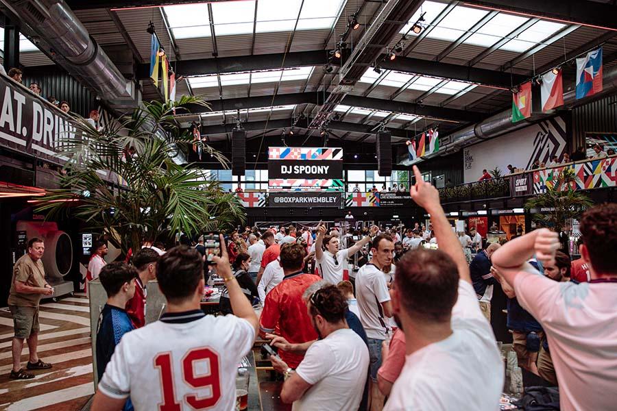 embed signage - digital signage software - Boxpark customer story - Wembley Euro 2020 Fan Zone
